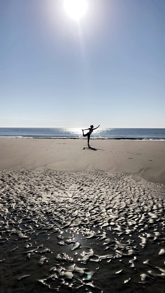 Folly Beach Island Yoga Classes Teacher Samantha kreshover Class